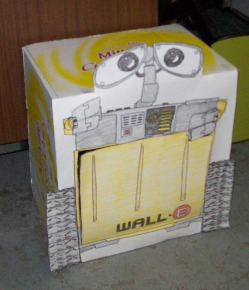 Wall-e trash toss